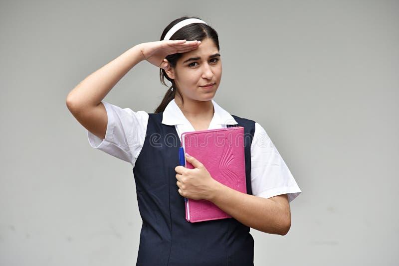 Begrüßende katholische kolumbianische Studentin With Notebook lizenzfreies stockfoto