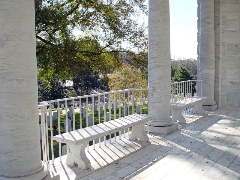 Download Begraafplaats stock foto. Afbeelding bestaande uit banken - 48700