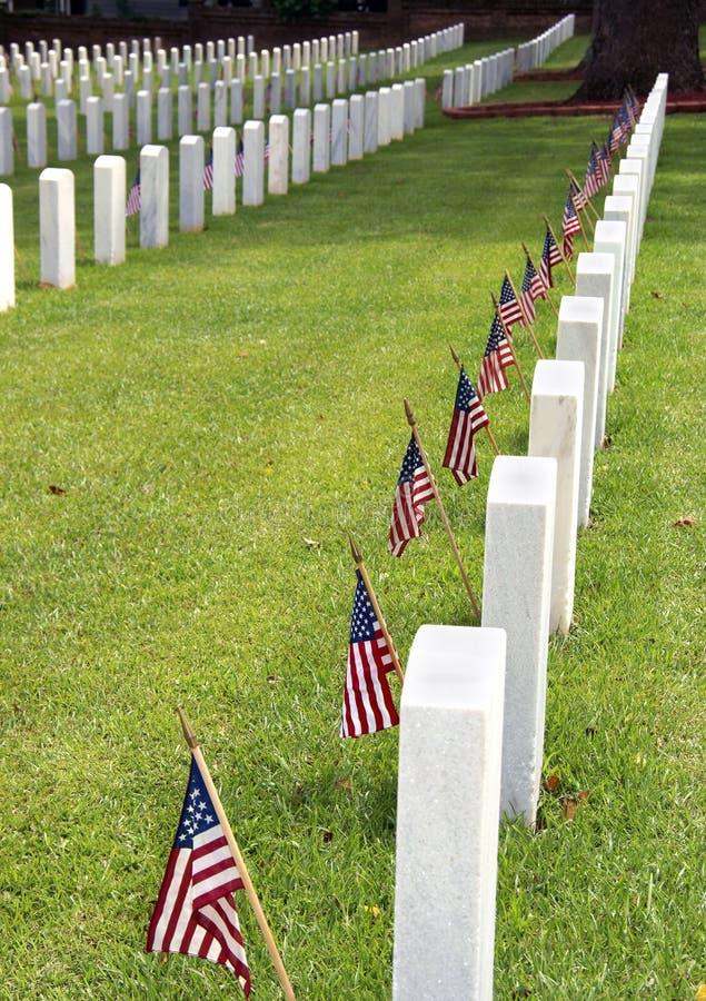 Begraafplaats op Herdenkingsdag stock afbeelding