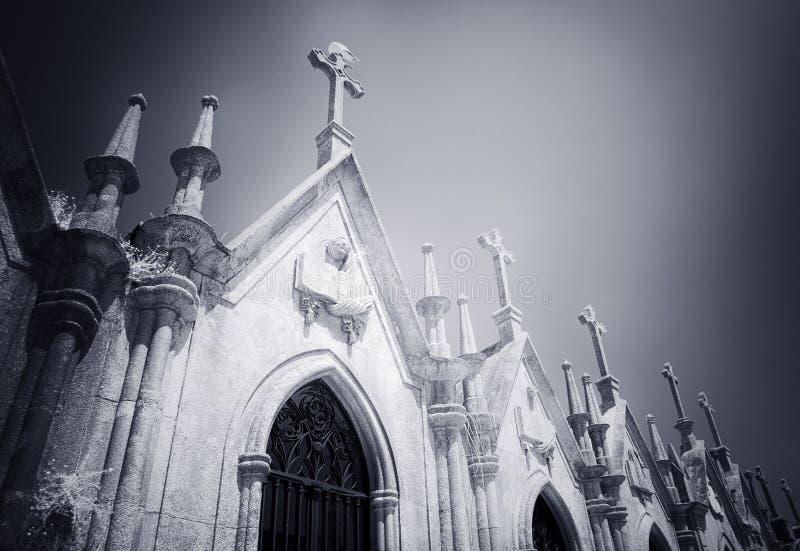 Begraafplaatsgraven in de vorm van kapels royalty-vrije stock afbeeldingen
