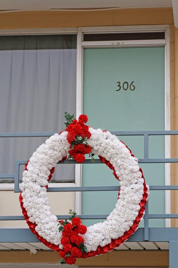Begrafeniskroon bij het balkon stock fotografie