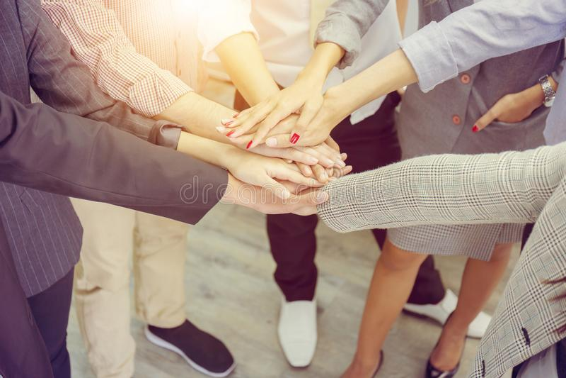 Begrepp, affärsman och busine för teamwork för framgångaffärsfolk royaltyfria bilder