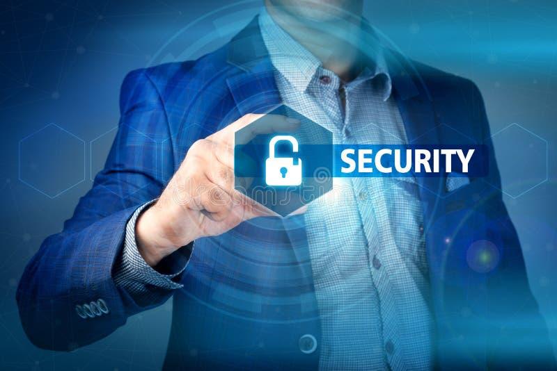 Begrepp av affärssäkerhet, säkerhet av information från virus, royaltyfri bild