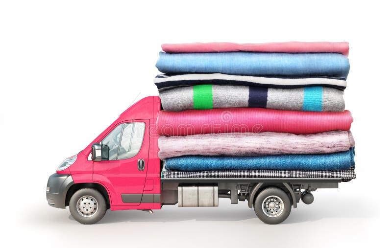 Begrepp av att bekläda leverans En skåpbil med en bunt av kläder på en isolerad plattform royaltyfria foton