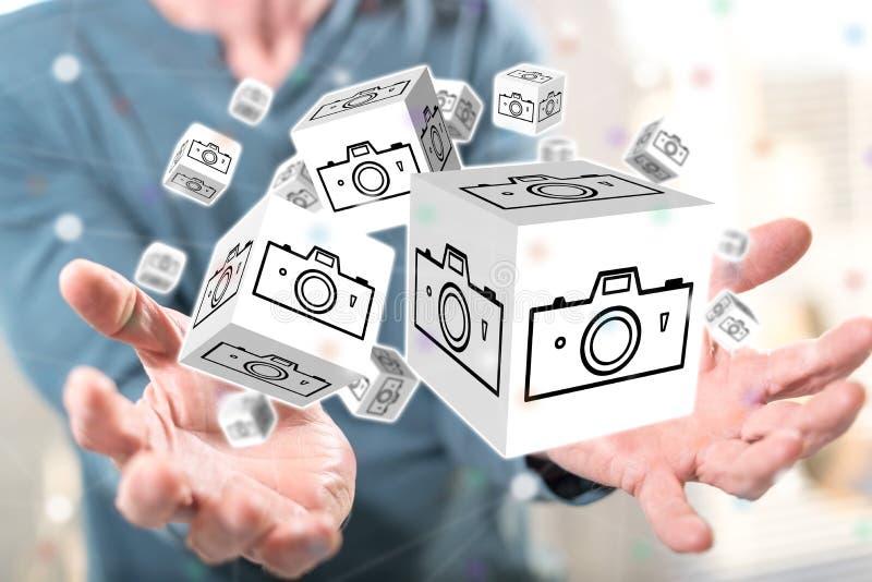 Begrepp av att dela f?r bilder royaltyfri foto