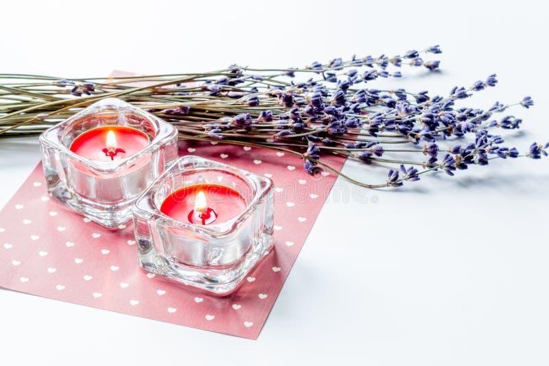 Begrepp av bokstaven för förälskelse för dag för valentin` s på vit bakgrund fotografering för bildbyråer