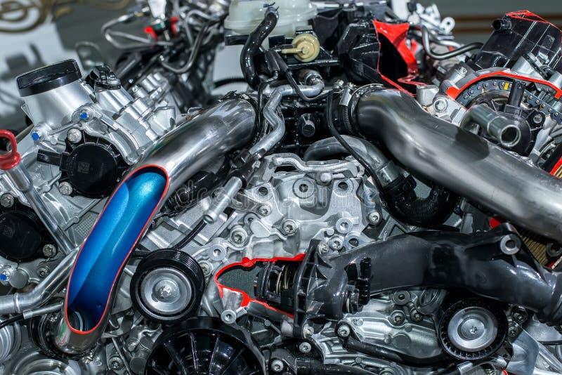 Begrepp av den moderna bilmotorn royaltyfri foto