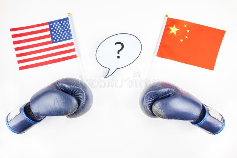 Begrepp av handelkriget mellan USA och Kina royaltyfri foto