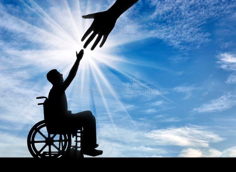 Begrepp av socialt skydd och hjälp till folk med handikapp royaltyfria bilder