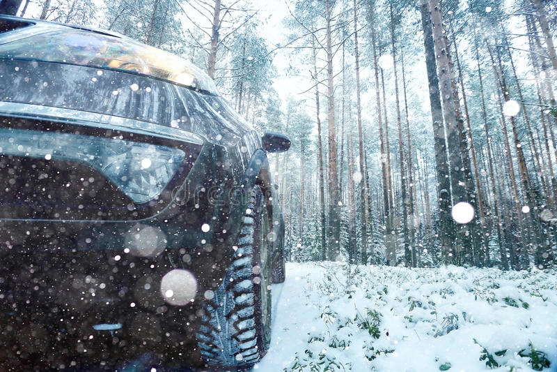 Begrepp av vinterbilritten royaltyfri foto