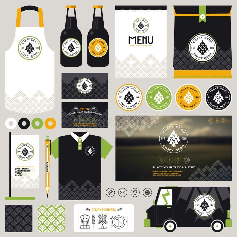 Begrepp för åtlöje för identitet för hantverkölrestaurang upp mall stock illustrationer