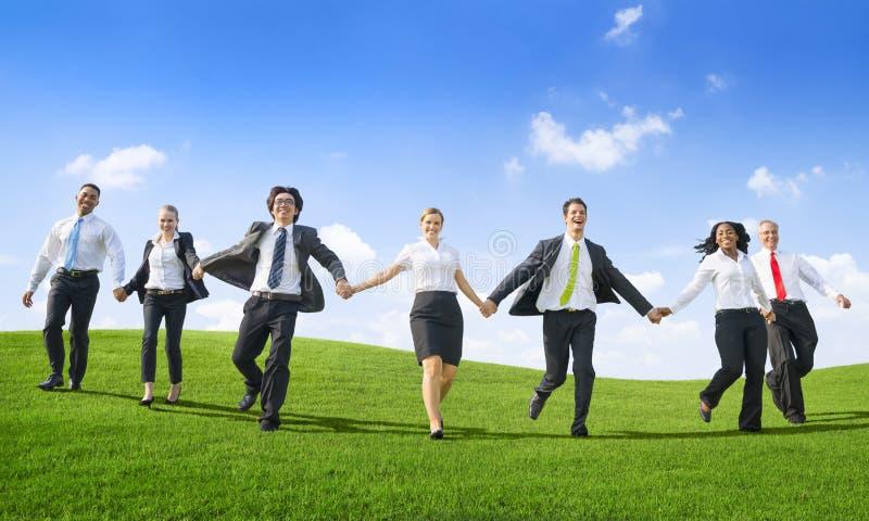 Begrepp för ambition för frihet för teamwork för affärsfolk lyckat royaltyfria bilder