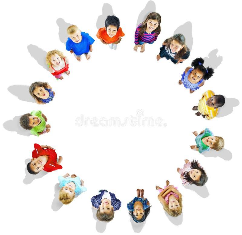 Begrepp för ambition för kamratskap för mångfaldharmlöshetbarn arkivbilder