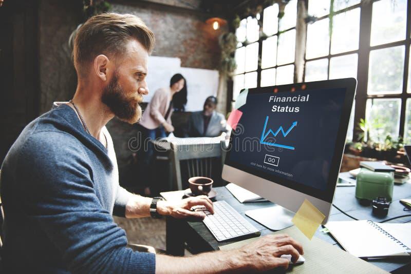 Begrepp för analys för tillväxt för pengar för finansiell status kontant arkivbild