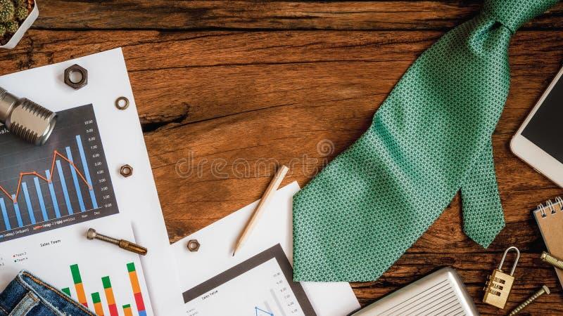 Begrepp för arbete- och faderdagbakgrund, finansiella diagram och G royaltyfria bilder