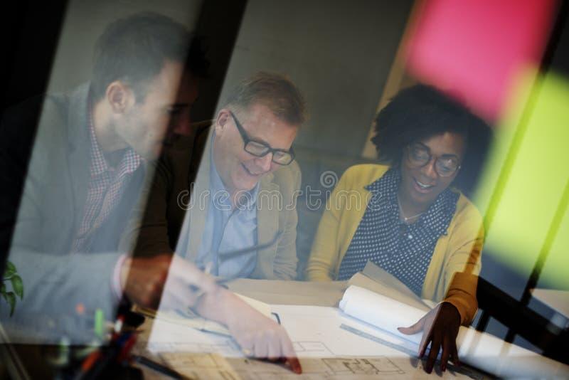 Begrepp för arkitektDesign Project Meeting diskussion arkivfoto