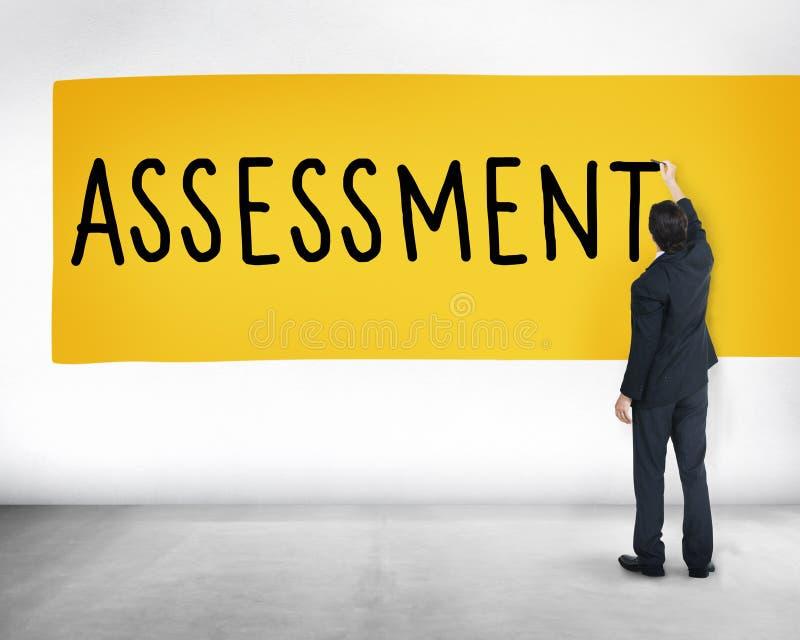 Begrepp för beräkning för analys för bedömningutvärderingsåsikt arkivbilder