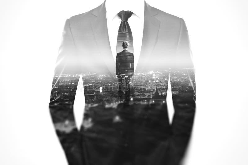 Begrepp för dubbel exponering med affärsmannen in arkivbilder