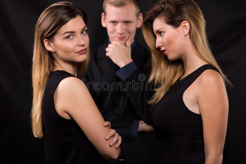 Begrepp för förälskelsetriangel royaltyfri fotografi