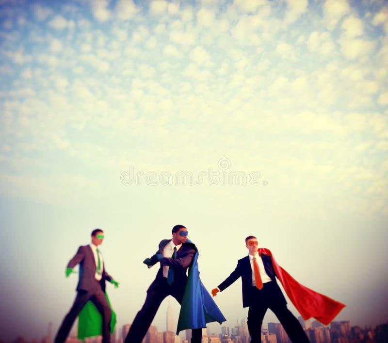 Begrepp för förtroende för Superheroaffärsmanmakt royaltyfri fotografi