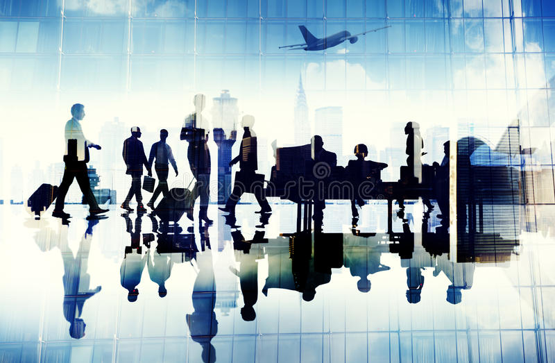Begrepp för flyg för folk för flygplatsloppaffär slutligt företags royaltyfri foto