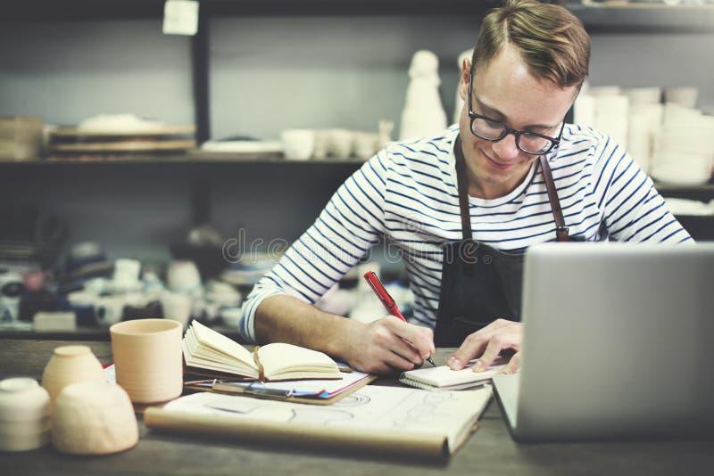 Begrepp för hantverkareHandy Drawing Ideas seminarium arkivfoton