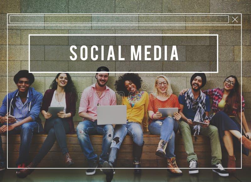 Begrepp för internet för social massmedianätverksrengöringsduk online- royaltyfri bild