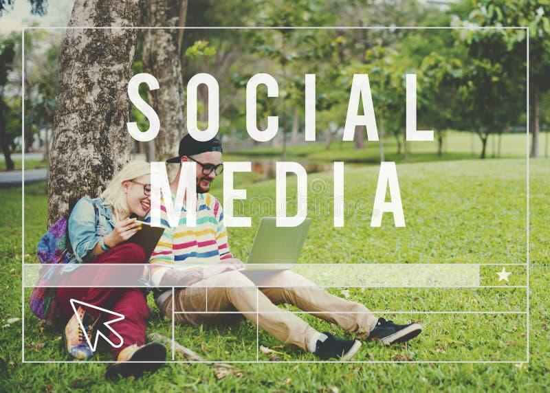 Begrepp för internet för social massmedianätverksrengöringsduk online- arkivfoto