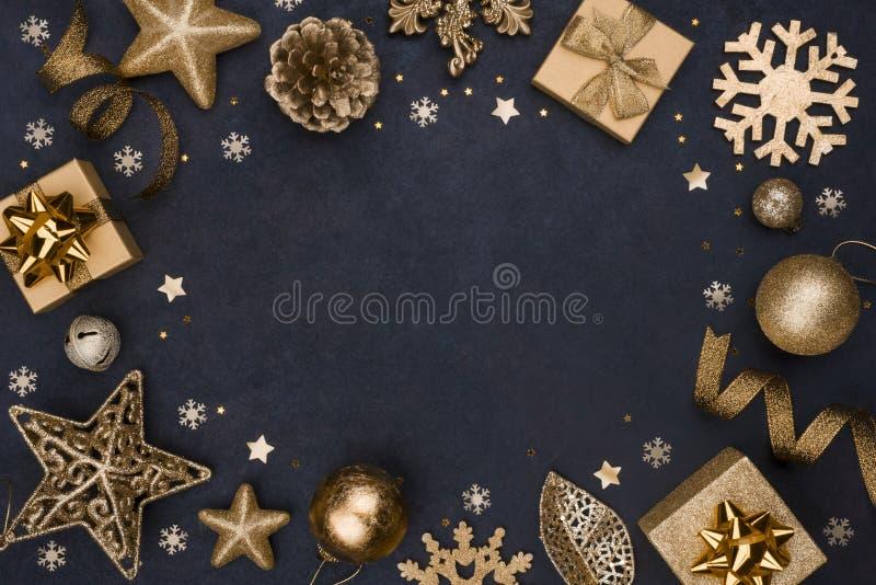 Begrepp för mall för glödande Cristmas och för nytt år guld- prydnadbaner royaltyfri foto