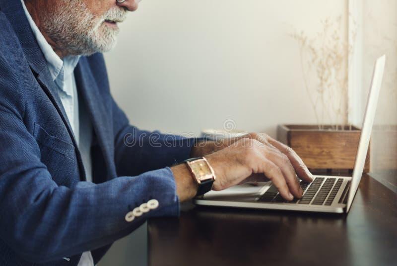 Begrepp för nätverkande för internetteknologi modernt royaltyfria bilder