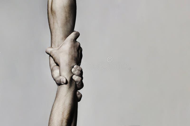 Begrepp för portionhand och internationell dag av fred, service Utsträckt portionhand, isolerad arm, räddning close royaltyfri foto
