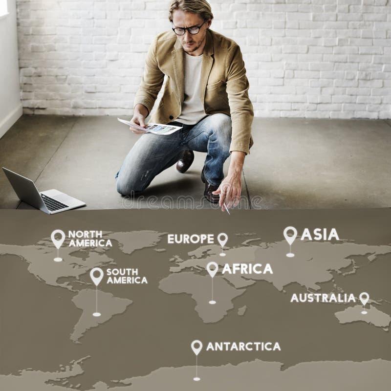 Begrepp för resa för destination för flygbiljettbokning royaltyfria foton