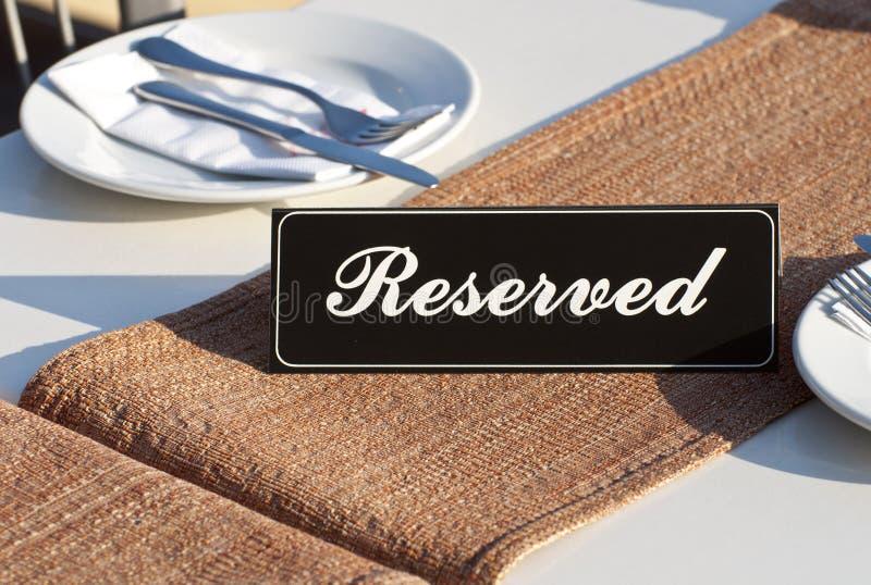 Begrepp för restaurangreservation royaltyfri bild