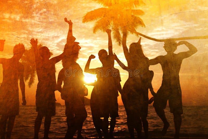 Begrepp för semester för ferie för sommar för parti för folkberömstrand arkivbilder