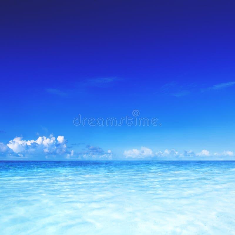Begrepp för semester för sommar för blått för himmel för paradishavshav tropiskt arkivfoto