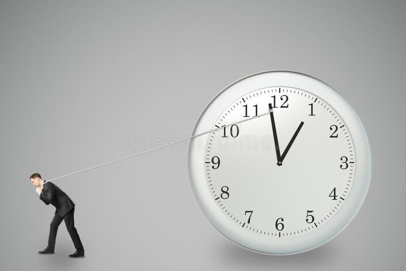 Begrepp för stopptajming med affärsmannen som försöker att stoppa tiden vektor illustrationer