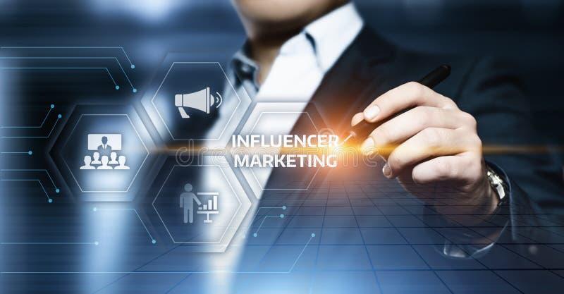 Begrepp för strategi för massmedia för nätverk för affär för Influencer marknadsföringsplan socialt royaltyfri fotografi