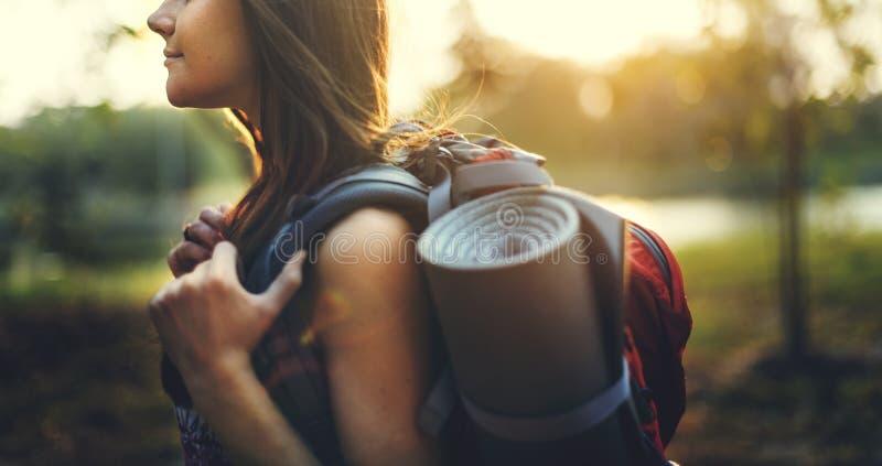 Begrepp för tur för natur för livsstil för reslustduvahandelsresande fotografering för bildbyråer