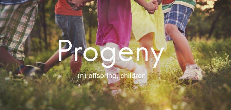Begrepp för unga ungar för avkommabarnutveckling barnsligt arkivfoto