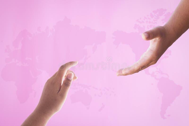 Begrepp för världscancerdag: Rosa världskarta royaltyfri bild