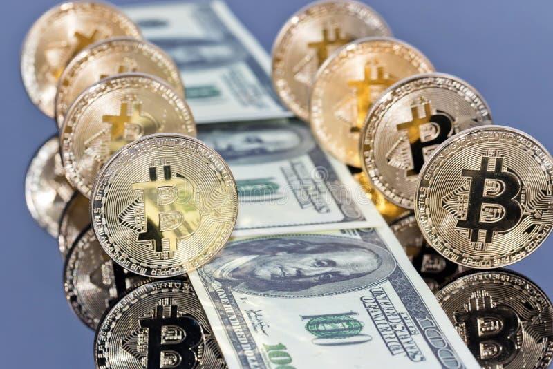 Begrepp: pengar som investerar i skyddade cryptocurrencies arkivbild