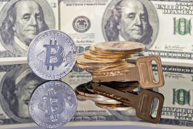 Begrepp: pengar som investerar i skyddade cryptocurrencies royaltyfria bilder