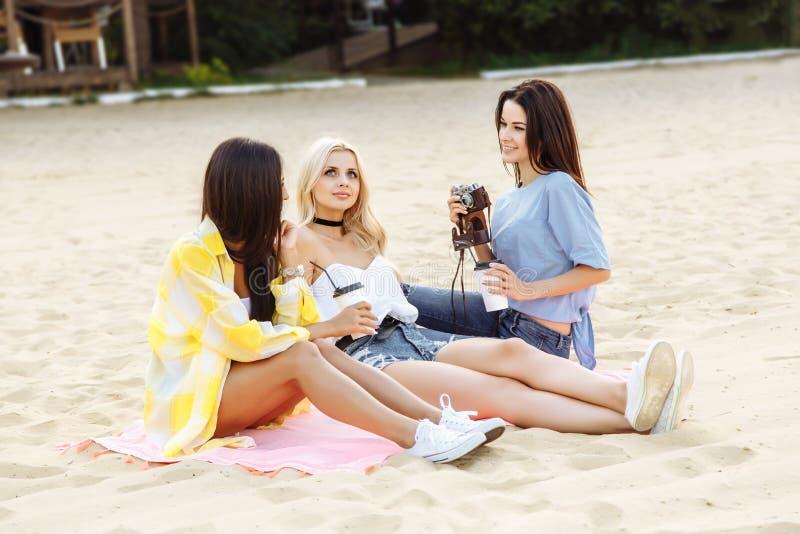 Begreppet av berömmen, sommarsemester, strandparti royaltyfri bild
