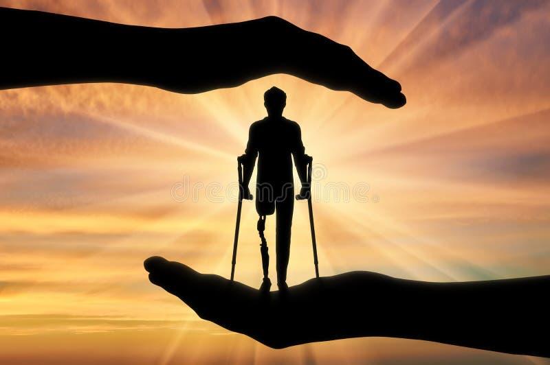 Begreppet av hjälpmedlet och omsorg för inaktiverade med ett prosthetic ben royaltyfri foto