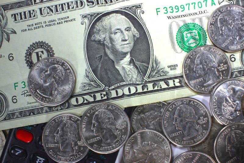 Begreppet av sparande pengar i kris- och hemfinans och besparingar arkivfoton