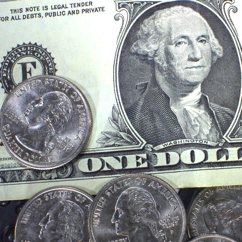 Begreppet av sparande pengar i kris- och hemfinans och besparingar royaltyfri fotografi