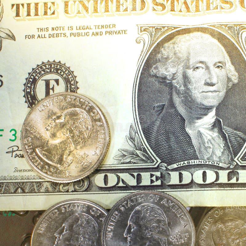 Begreppet av sparande pengar i kris- och hemfinans och besparingar royaltyfri bild