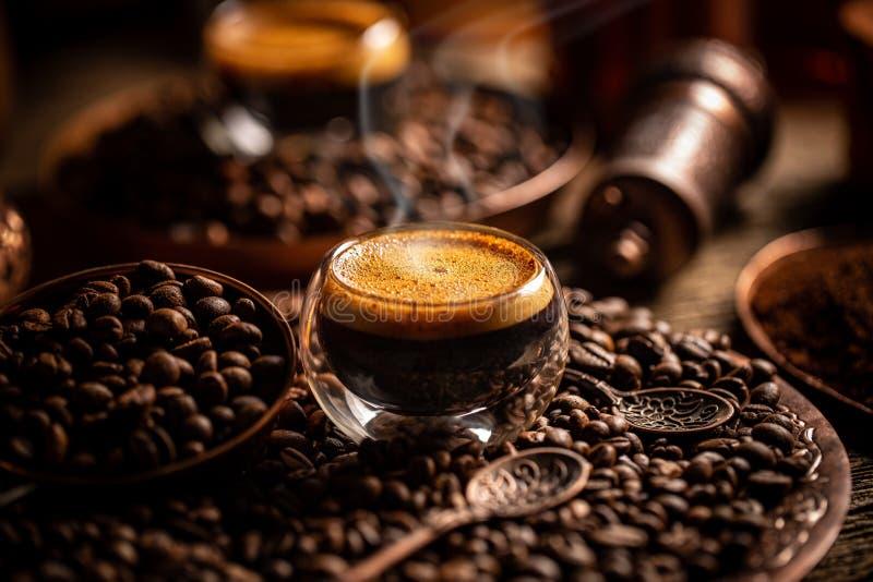 Begreppet kafébrygga arkivbilder