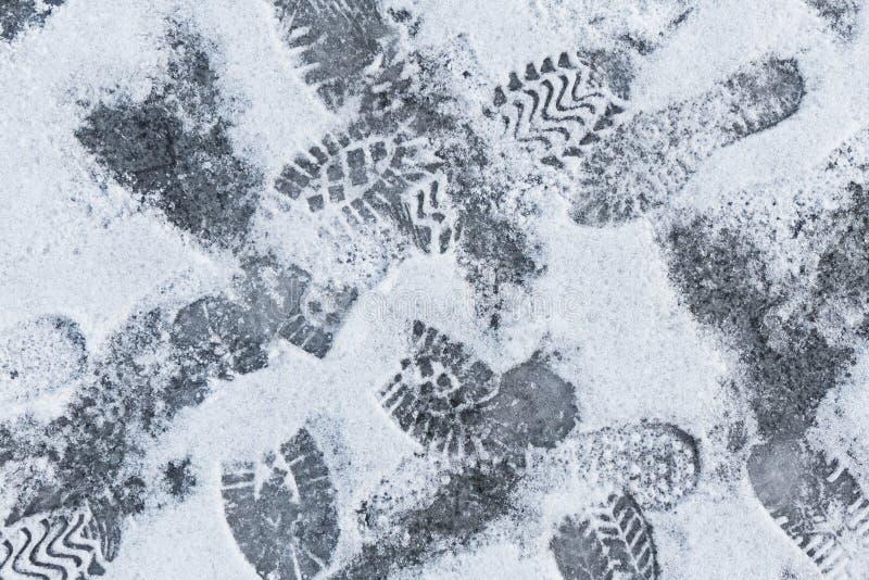 begreppet som påpekar, frammanar snow för utforskningfotspårbana någonstans till unknownen arkivbild