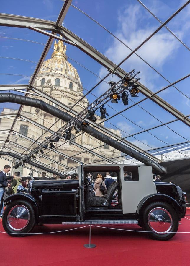 Begreppsbilarna utställning och bildesign - Paris 2018 arkivfoto